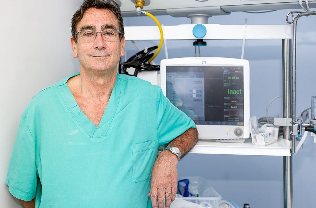 Dr. José Luís Álvarez-Cofiño, cirujano de referencia en Asturias.